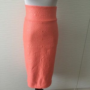 Bebe Coral Embossed Body con Mid Skirt